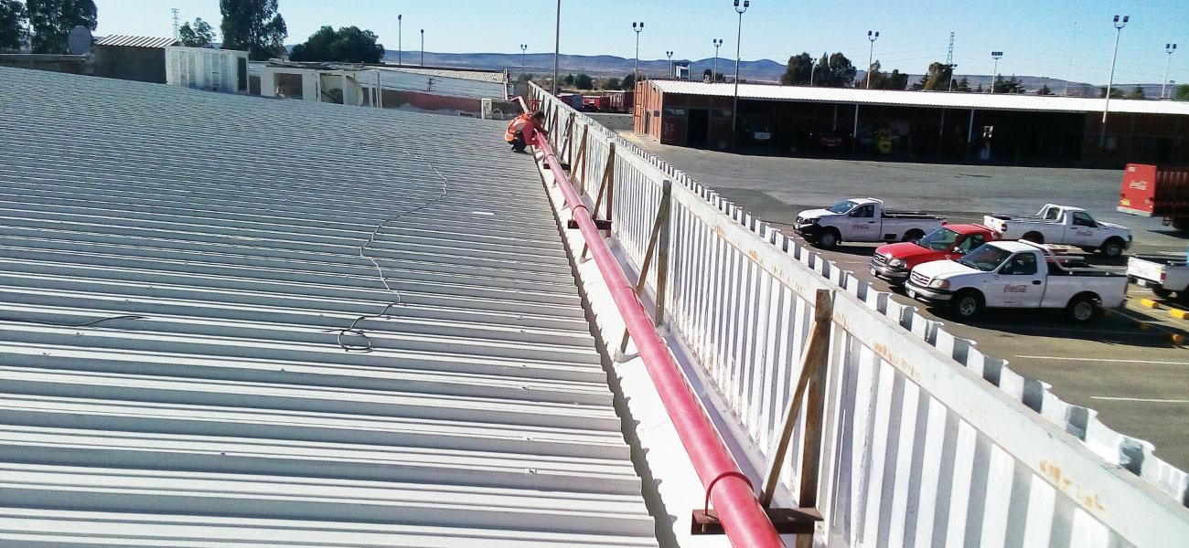 mantenimiento-industrial-techos-planta-Coca-Cola-zacatecas-tierra-y-metal