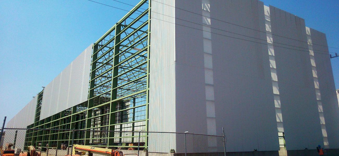 Proyecto-honda-construcción-tierra-y-metal